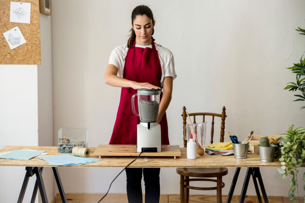 can you use a blender as a food processor?